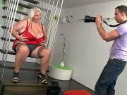 Photographer loves her BBW cunt
